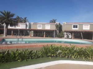 Townhouse En Alquileren Maracaibo, Lago Mar Beach, Venezuela, VE RAH: 21-16382