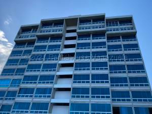 Apartamento En Ventaen Catia La Mar, Playa Grande, Venezuela, VE RAH: 21-17572