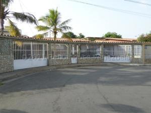 Casa En Ventaen Barcelona, Tricentenaria, Venezuela, VE RAH: 21-16300