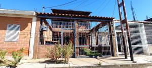 Casa En Ventaen Palo Negro, San Antonio, Venezuela, VE RAH: 21-16017
