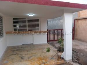 Casa En Ventaen Maracaibo, Los Postes Negros, Venezuela, VE RAH: 21-8418
