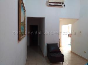 Casa En Ventaen Coro, Intercomunal Coro La Vela, Venezuela, VE RAH: 21-16059