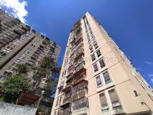 Apartamento En Ventaen Los Teques, El Encanto, Venezuela, VE RAH: 21-16061