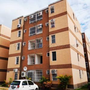 Apartamento En Ventaen Charallave, Centro De Charallave, Venezuela, VE RAH: 21-16087