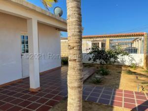 Casa En Ventaen Punto Fijo, Villa Marina, Venezuela, VE RAH: 21-16140
