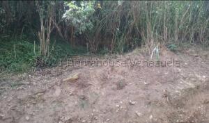 Terreno En Ventaen Los Teques, Los Teques, Venezuela, VE RAH: 21-16108