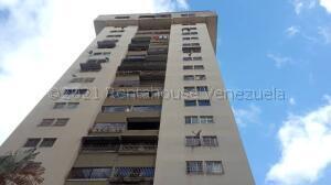 Apartamento En Ventaen Los Teques, Barrio La Mata, Venezuela, VE RAH: 21-16113