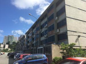 Apartamento En Ventaen Parroquia Caraballeda, Camuri Chico, Venezuela, VE RAH: 21-16129