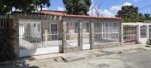 Casa En Ventaen Maracay, San Carlos, Venezuela, VE RAH: 21-16132