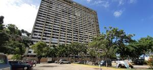 Apartamento En Ventaen Parroquia Caraballeda, Los Corales, Venezuela, VE RAH: 21-16449