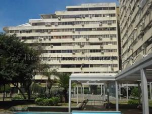 Apartamento En Ventaen Parroquia Caraballeda, Caribe, Venezuela, VE RAH: 21-16183