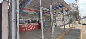 Local Comercial En Ventaen Acarigua, Centro, Venezuela, VE RAH: 21-16225