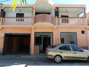 Casa En Ventaen Barquisimeto, Parroquia Juan De Villegas, Venezuela, VE RAH: 21-16435