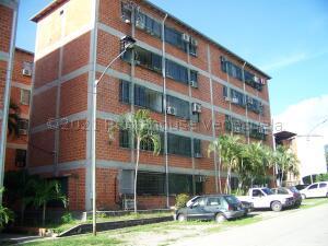 Apartamento En Ventaen Guatire, Las Lomas, Venezuela, VE RAH: 21-16205