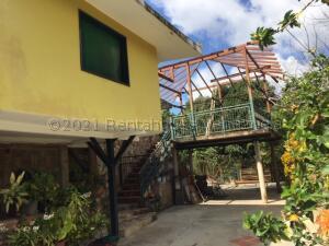 Casa En Ventaen Caracas, Karimao Country, Venezuela, VE RAH: 21-16271