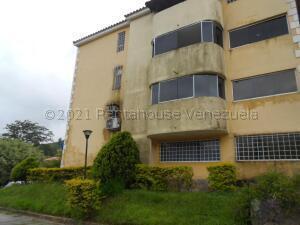 Apartamento En Ventaen Municipio Naguanagua, La Entrada, Venezuela, VE RAH: 21-16265