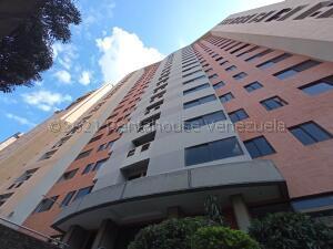 Apartamento En Alquileren Valencia, La Trigaleña, Venezuela, VE RAH: 21-16277