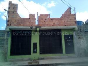 Local Comercial En Ventaen Cabudare, Centro, Venezuela, VE RAH: 21-16286