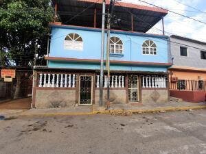 Casa En Ventaen Catia La Mar, Ezequiel Zamora, Venezuela, VE RAH: 21-16335