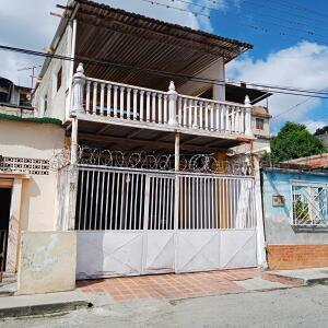 Casa En Ventaen Cua, Centro, Venezuela, VE RAH: 21-16360