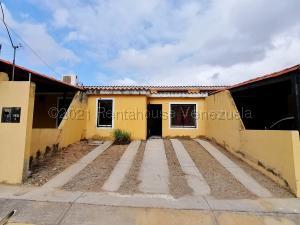 Casa En Ventaen Cabudare, Parroquia José Gregorio, Venezuela, VE RAH: 21-16393