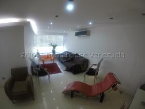 Apartamento En Alquileren Caracas, Terrazas Del Avila, Venezuela, VE RAH: 21-16815