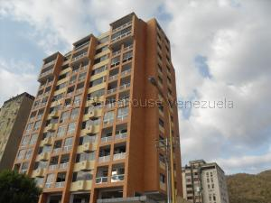 Apartamento En Ventaen Valencia, Lomas Del Este, Venezuela, VE RAH: 21-16433