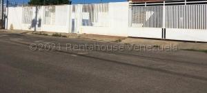 Casa En Alquileren Punto Fijo, Puerta Maraven, Venezuela, VE RAH: 21-16417