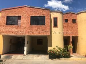 Townhouse En Ventaen Municipio Naguanagua, La Entrada, Venezuela, VE RAH: 21-16424