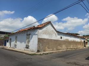 Terreno En Ventaen Turmero, Zona Centro, Venezuela, VE RAH: 21-16426