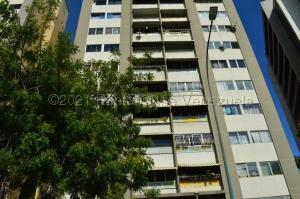 Apartamento En Alquileren Caracas, Bello Campo, Venezuela, VE RAH: 21-16459