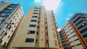 Apartamento En Ventaen Maracay, El Bosque, Venezuela, VE RAH: 21-16438