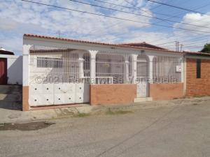 Casa En Ventaen Cabudare, Valle Hondo, Venezuela, VE RAH: 21-16455