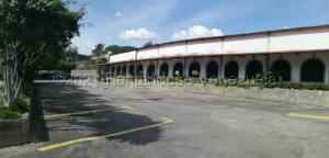 Local Comercial En Alquileren Charallave, Loma Real, Venezuela, VE RAH: 21-16766