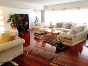 Apartamento En Alquileren Maracaibo, La Lago, Venezuela, VE RAH: 21-16456