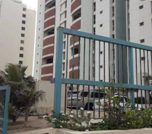 Apartamento En Ventaen Catia La Mar, Playa Grande, Venezuela, VE RAH: 21-16468