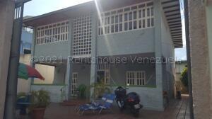 Casa En Ventaen Maracay, El Limon, Venezuela, VE RAH: 21-16470