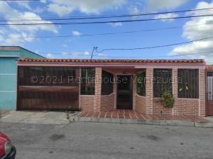 Casa En Ventaen Cabudare, Valle Hondo, Venezuela, VE RAH: 21-16482