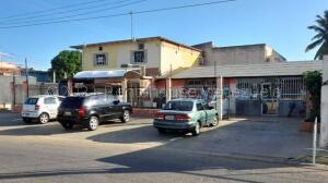 Local Comercial En Ventaen Ciudad Ojeda, Avenida Vargas, Venezuela, VE RAH: 21-16316