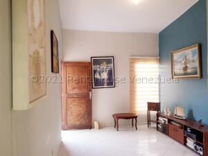 Casa En Ventaen Coro, Intercomunal Coro La Vela, Venezuela, VE RAH: 21-16501