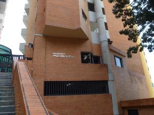 Apartamento En Ventaen Valencia, El Bosque, Venezuela, VE RAH: 21-16515