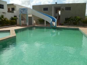 Apartamento En Ventaen Chichiriviche, Flamingo, Venezuela, VE RAH: 21-16568