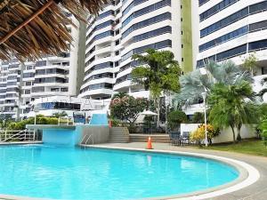 Apartamento En Ventaen Parroquia Caraballeda, La Llanada, Venezuela, VE RAH: 21-16588