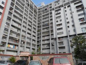 Apartamento En Ventaen Caracas, Caricuao, Venezuela, VE RAH: 21-16599