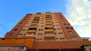 Apartamento En Ventaen Maracay, Zona Centro, Venezuela, VE RAH: 21-16612