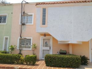 Townhouse En Ventaen Cabimas, Nueva Delicias, Venezuela, VE RAH: 21-16655