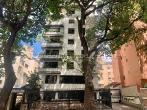 Apartamento En Ventaen Caracas, Los Chaguaramos, Venezuela, VE RAH: 21-17685
