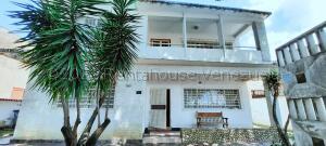 Casa En Ventaen Caracas, La Floresta, Venezuela, VE RAH: 21-16955