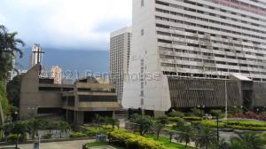 Apartamento En Ventaen Caracas, Parque Central, Venezuela, VE RAH: 21-16716