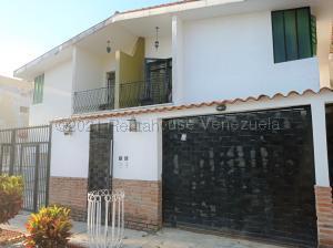 Apartamento En Ventaen Valencia, Trigal Sur, Venezuela, VE RAH: 21-16741